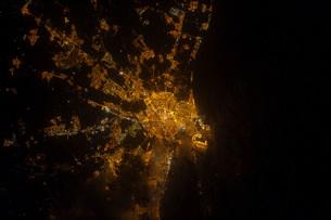 Nighttime image of Valencia on the Mediterranean coast of Spの写真素材 [FYI02103246]