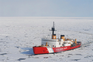 USCGC Polar Sea conducts a research expedition in the Beaufoの写真素材 [FYI02103586]
