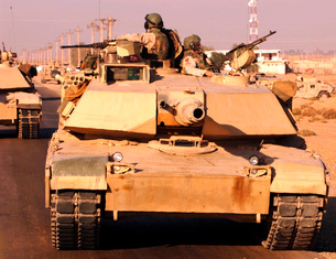 Tankers return safely to Camp Warhorse.の写真素材 [FYI02103974]