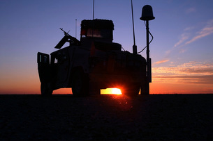 Marines take up a security position in a humvee.の写真素材 [FYI02105463]
