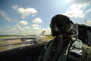 Self-portrait of an aerial combat photographer before takeoff.の写真素材 [FYI02106155]