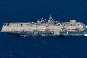 Amphibious assault ship USS Bonhomme Richard.の写真素材 [FYI02106162]