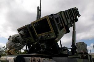 MIM-104 Patriot missile launcher, Kadena Air Base, Japan.の写真素材 [FYI02106278]
