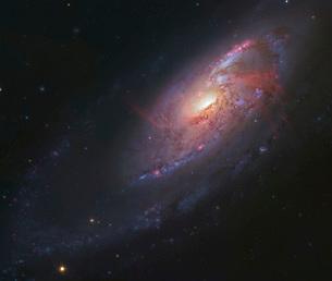 M106, spiral galaxy in Canes Venatici.の写真素材 [FYI02106307]