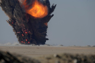 A munitions disposal explosion in Kuwait.の写真素材 [FYI02106329]
