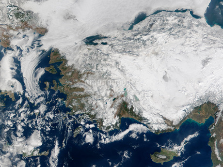 Satellite view of the Republic of Turkey covered by snow.の写真素材 [FYI02106359]