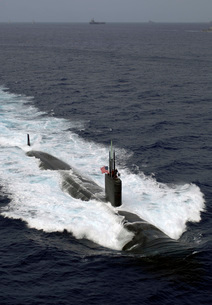 The Los Angeles-class attack submarine USS Asheville.の写真素材 [FYI02106440]