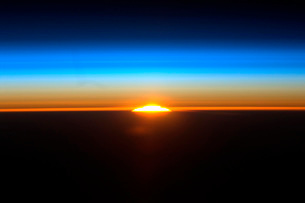 Sunrise as seen from the International Space Station.の写真素材 [FYI02106667]