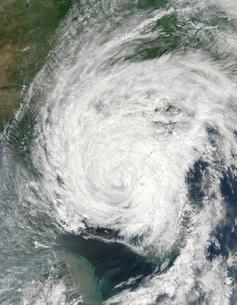 Tropical Storm Muifa over China and Korea.の写真素材 [FYI02106693]
