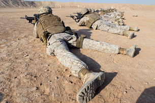 U.S. Marines conduct a battlefield zero at Camp Leatherneck.の写真素材 [FYI02106712]
