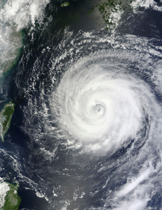 Typhoon Muifa east of Taiwan in the Pacific Ocean.の写真素材 [FYI02106727]
