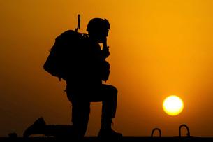 U.S. Air Force Airman communicates during Operation Spartan Shield.の写真素材 [FYI02106743]