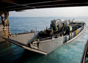 Landing Craft Utility departs the well deck of USS Tortuga.の写真素材 [FYI02106775]