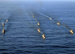 Aerial view of ships in formation during UNITAS 52 in the Atlantic Ocean.の写真素材 [FYI02106884]