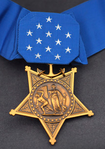 Close-up of the Medal of Honor award.の写真素材 [FYI02106967]