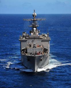 USS Comstock transits the Indian Ocean.の写真素材 [FYI02107000]