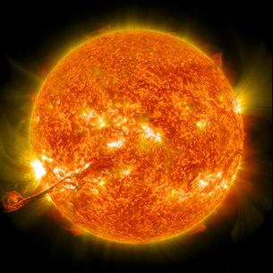 Magnificent Coronal Mass Ejection erupts on the Sun.の写真素材 [FYI02107017]