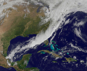 A strong cold front moving through the eastern United States.の写真素材 [FYI02107409]