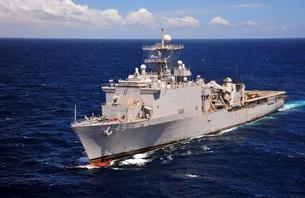 USS Comstock transits the Indian Ocean.の写真素材 [FYI02107459]