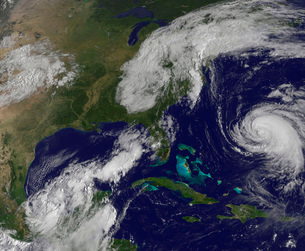 Satellite view of several weather systems in the eastern United States.の写真素材 [FYI02107465]