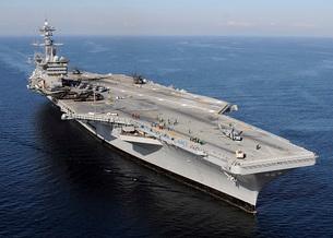 Aircraft carrier USS Carl Vinson.の写真素材 [FYI02107643]