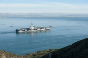 USS Carl Vinson gets underway from Naval Air Station North Island.の写真素材 [FYI02107671]