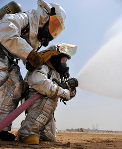 Firemen learn how to effectively work together during an emergency situation.の写真素材 [FYI02107673]