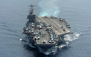 USS Abraham Lincoln transits the Indian Ocean.の写真素材 [FYI02107749]