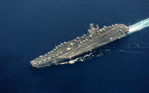 USS Abraham Lincoln transits the Indian Ocean.の写真素材 [FYI02108067]