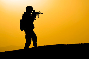 U.S. Army soldier secures an area in Zabul, Afghanistan.の写真素材 [FYI02108171]