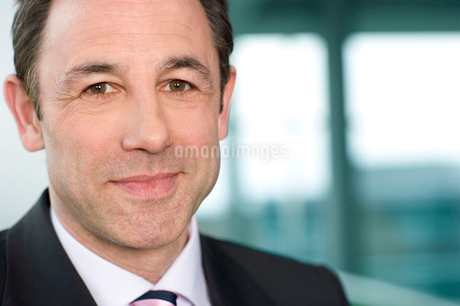 Close-up portrait of a businessmanの写真素材 [FYI02118289]