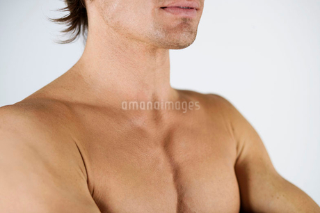 A male nude, shouldersの写真素材 [FYI02118349]