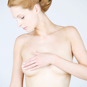 A female nude, front viewの写真素材 [FYI02118668]