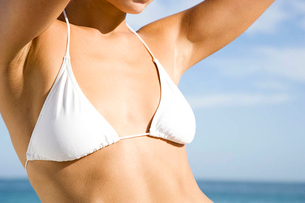 A young woman's torso in bikini topの写真素材 [FYI02120376]