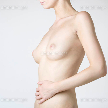 A female nude, mid sectionの写真素材 [FYI02120654]
