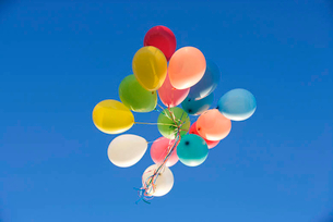A bunch of balloonsの写真素材 [FYI02120739]