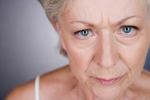 A senior woman looking angryの写真素材 [FYI02121471]
