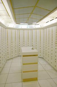 Strongroom in a bankの写真素材 [FYI02126362]