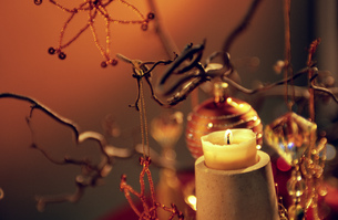 Still life of two Christmas decorationsの写真素材 [FYI02126371]