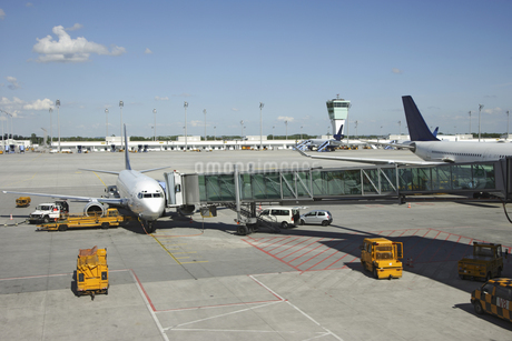 High angle view of Munich airport, Bavaria, Germanyの写真素材 [FYI02126473]