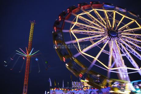 Amusement park rides in Munichの写真素材 [FYI02127061]