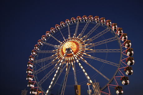 Amusement park rides in Munichの写真素材 [FYI02127288]