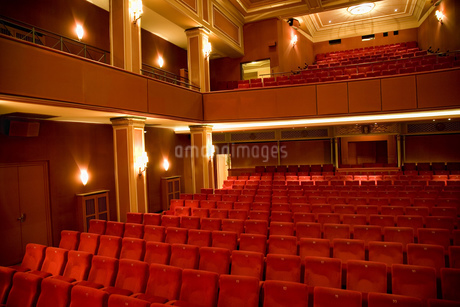 Seating in empty theaterの写真素材 [FYI02127574]