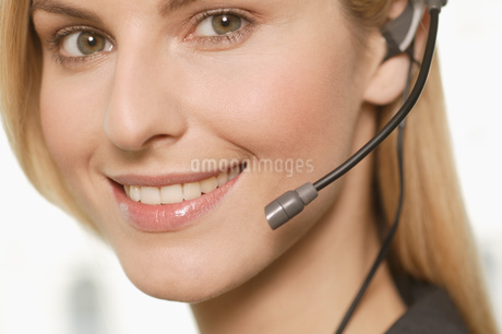 Close-up of female telemarketerの写真素材 [FYI02127761]