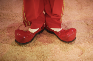 Close up of circus clown's shoesの写真素材 [FYI02129080]