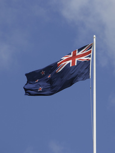 Low angle view of New Zealand flagの写真素材 [FYI02129529]