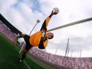 Soccer goalie making a saveの写真素材 [FYI02130002]
