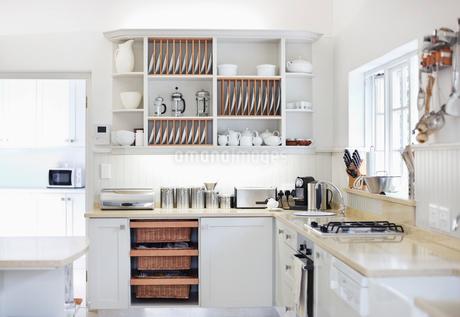 Counter tops in modern kitchenの写真素材 [FYI02150404]