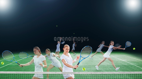 Multiple exposures of tennis player on courtの写真素材 [FYI02150931]