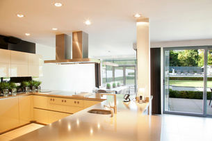 Counters and stove in modern kitchenの写真素材 [FYI02152707]